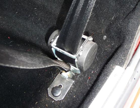 Photo montrant l'emplacemenent de montage de l'enrouleur sur une FIAT 500